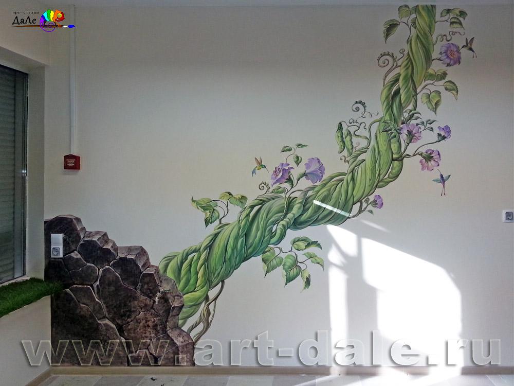 """Роспись стены в цветочном салоне """"Колибри"""" в Новом Петергофе"""